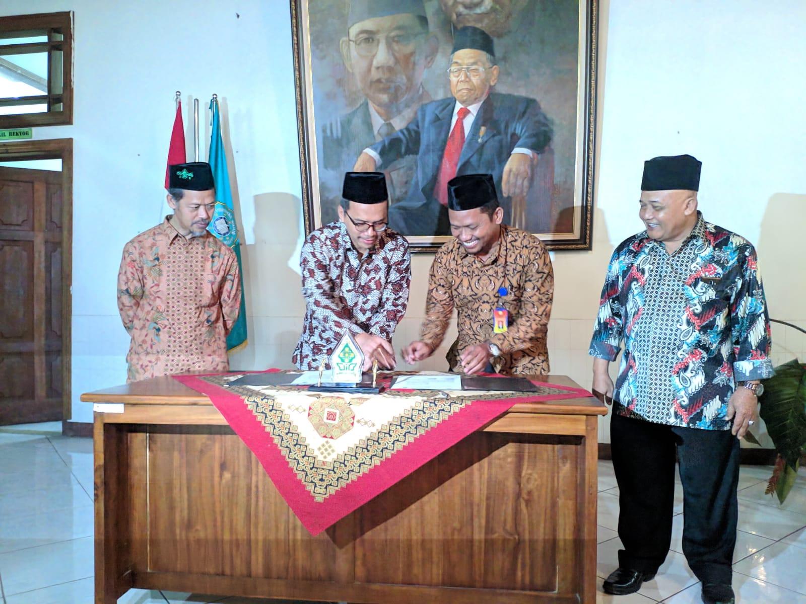 MoU antara STIT Madina Sragen dengan UIN Walisongo Semarang